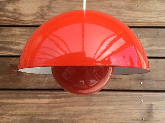 #flowerpot#flowerpotlamp #orangeflowerpot#emaljelampe #emaljeflowerpot#vernerpanton #vernerpantonflowerpot#danishdesign #midmod #orange#belysning #pendel #loftlampe#vintagelamp #vintagelampe#paulinekdk #vejle