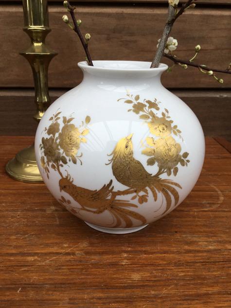 #kaiserporcelæn #kaiser#westgermanyvase #gulddeko#påfugle#peacock#guldfugl #rosenmønster#indretning #interiør #boligindretning#tilsalg #sælges #forsale #paulinekdk#vejle#melodievase
