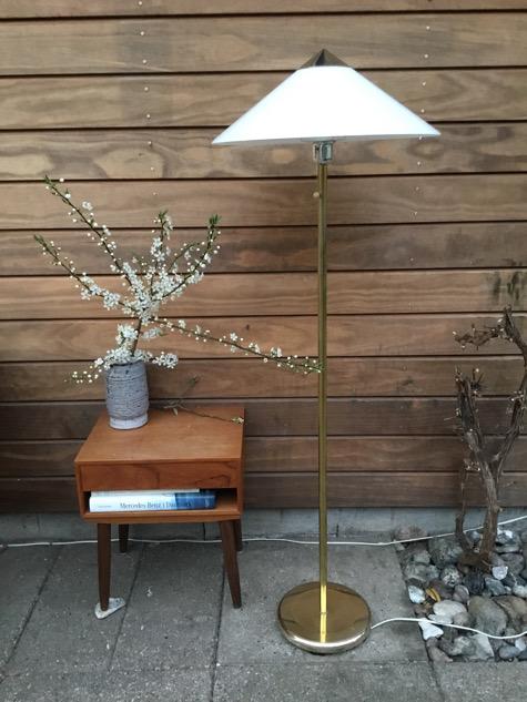 #acryliclamp#acrylic#akryllampe#nafalamp#madeinsweden#vintagelamp #belysning #pendel #fogogmørup#fogmorup #vintage #kongelys#midcenturymodern #danishmodern#tilsalg #sælges #forsale #genbrug#midmod #classic #interiordesign#homedecor #bæredygtig #indretning#indretmedgenbrug #paulinekdk#vejle#plastic #plasticfantastic