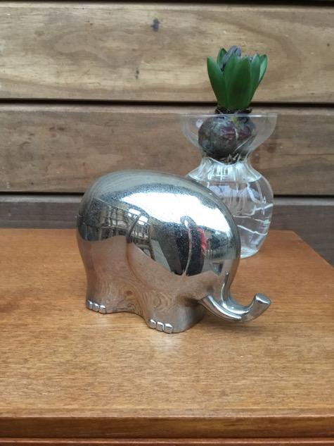#elefant #keramikelefant #indretning#figur #keramikfigur #boligindretning#interiør #genbrug #secondhand#paulinekdk