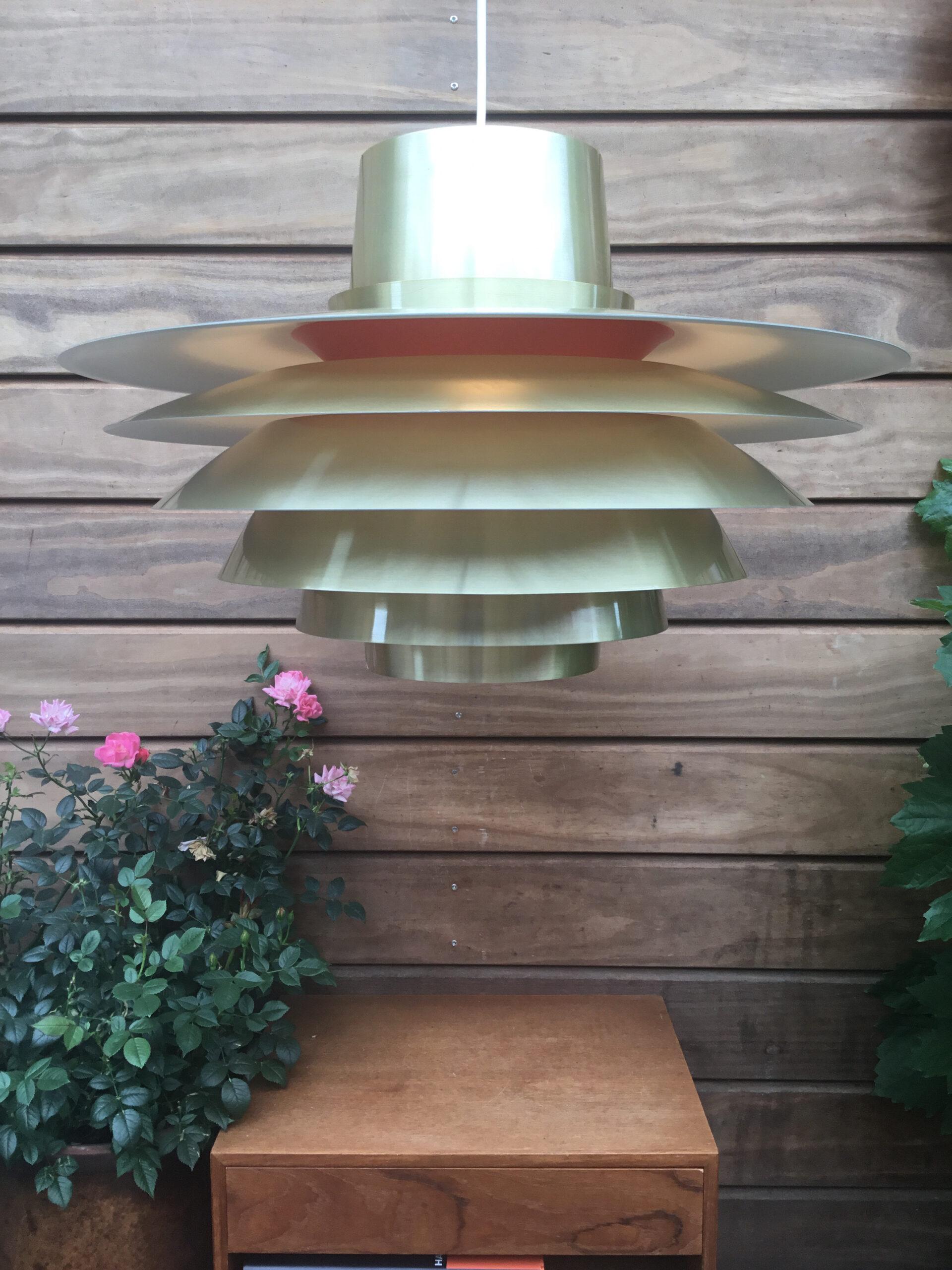 #veronalamp #svendmiddelboe#svendmiddelboeverona#copper#copperlamp#verona41094#brass#nordisksolar#nordisksolarkompagni#johammerborg #fogmorup#danishdesign #danishlamp#vintagelamp #danishdesign#midcenturymodern #danishmodern#tilsalg #sælges #forsale #genbrug#midmod #classic #interiordesign#homedecor#paulinekdk #vejle