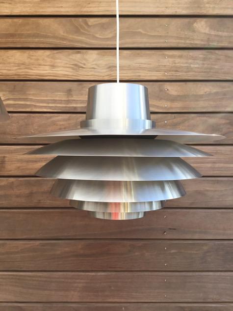 #veronalamp #svendmiddelboe #svendmiddelboeverona #copper#copperlamp #verona41094#brass#nordisksolar #nordisksolarkompagni #johammerborg #fogmorup #danishdesign #danishlamp #vintagelamp #danishdesign #midcenturymodern #danishmodern #tilsalg #sælges #forsale #genbrug #midmod #classic #interiordesign #homedecor#paulinekdk #vejle