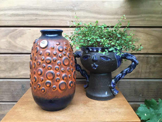 #westgermanpottery#jasba#jasbakeramik#jasbavase#pottehoved#blomsterhoved#kuglevase#keramik #vintagekeramik #vase #keramikvase #retro #paulinekdk#vejle #danishdesign #interiør #indretning #boligindretning #tilsalg#sælges #forsale #genbrug #indretmedgenbrug