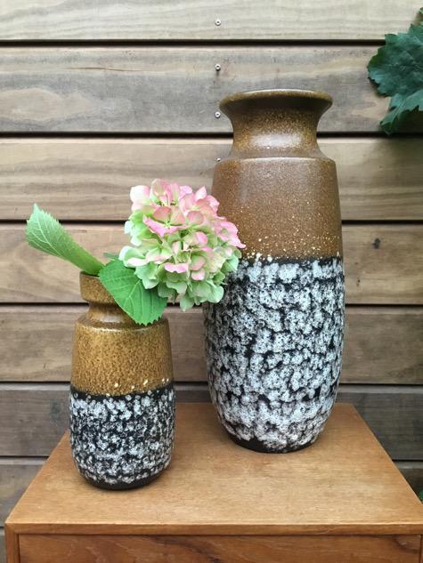 #westgermany#westgermanypottery #westgermanyvase #westgermanykeramik#vase#vaser#keramikskål#keramikfad#blomsterpige#gulvvase#urtepotteskjuler#potteskjuler#keramik#vintage#opsats#hulvase#svampevase#paulinekdk#stentøj