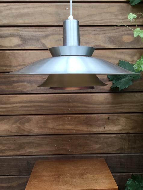 #lyskaer#lyskær#alulamp#aluminiumlamp#danishdesign #pendel #messinglamper#brasslamp #vintagelamp #vintage#belysning #pendant #danishlamp#midcenturymodern #danishmodern#tilsalg #sælges #forsale #loppefund#genbrug #midmod #classic#interiordesign #homedecor#paulinekdk #vejle